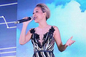 Thảo Trang khoe chất giọng nội lực với loạt hit tiếng Anh