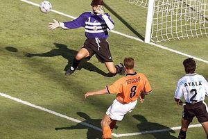 10 bàn thắng đẹp nhất lịch sử World Cup (P1): Ngất ngây kiệt tác của Owen và Bergkamp