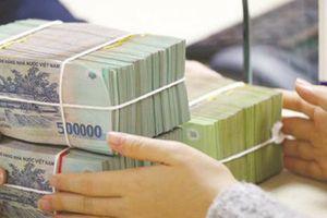 Thanh khoản eo hẹp, lãi suất liên ngân hàng tiếp tục 'leo thang'