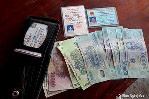 Nhặt được ví tiền, đăng facebook tìm người trả lại