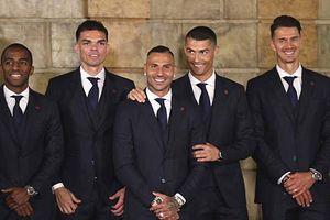 Ronaldo cười tươi khi diện kiến Tổng thống Bồ Đào Nha trước World Cup