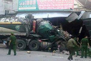 Kinh hoàng xe tải mất lái tông liên hoàn vào 3 nhà dân