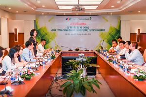 Triển khai dự án 'Đầu tư hệ thống quản lý tài chính doanh nghiệp tại Vietcombank'