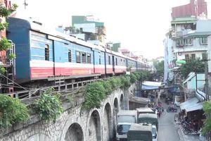 Hà Nội thí điểm đục thông 6 vòm cầu đường sắt trăm tuổi