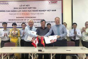 Hợp tác giữa Tổng cục Giáo dục nghề nghiệp và dự án kỹ năng nghề nghiệp Việt Nam