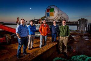 Microsoft bắt đầu 'nhấn chìm' trung tâm dữ liệu của họ xuống biển Scotland