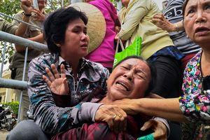 Dân Thủ Thiêm khóc ngất khi không được đối thoại với cán bộ Trung ương
