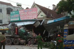 Container lao vào nhà dân lúc rạng sáng, nhiều người thoát chết