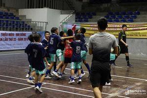 NĐ TP Vinh nhận trái đắng trước NĐ Tân Kỳ sau loạt penalty may rủi