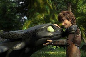 'Bí Kíp Luyện Rồng: Vùng Đất Bí Ẩn' hé lộ tình yêu đầu đời của rồng đen Răng Sún trong trailer đầu tiên