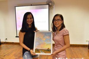 Hơn 300 học sinh nghèo được nhận học bổng Hoa Phong Lan Singapore