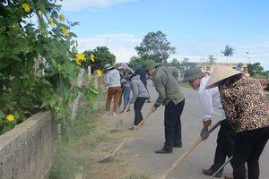 100 cán bộ công đoàn Hà Tĩnh giúp dân xây dựng nông thôn mới