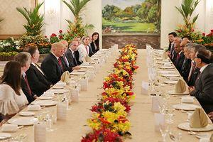 Tổng thống Trump hội đàm với Thủ tướng Singapore tại Dinh Istana
