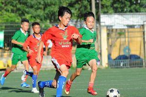 Đương kim vô địch thiếu niên Quỳnh Lưu thắng đậm, thiếu niên Cửa Lò rời giải