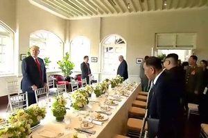 Lãnh đạo Mỹ - Triều Tiên kết thúc họp thượng đỉnh, chuẩn bị dùng bữa trưa làm việc