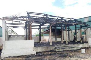 Điều tra vụ châm lửa đốt quán không cho 'đối thủ' khai trương