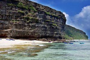 Tắm biển ở đảo Lý Sơn, du khách bất ngờ tử vong