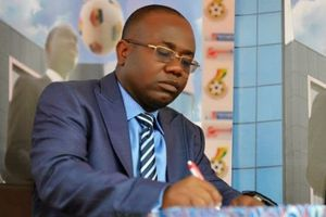 Chủ tịch Liên đoàn Bóng đá Ghana từ chức sau bê bối nhận hối lộ
