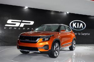 Kia ra mắt mẫu xe SUV màu cam nổi bật