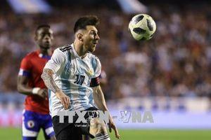 Tù nhân Argentina tuyệt thực đòi xem World Cup