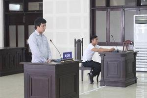 Dùng dao gây thương tích trong quán karaoke lãnh án 10 năm tù