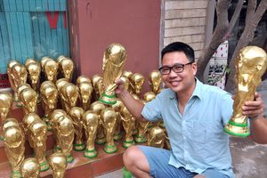 Làng gốm Bát Tràng tất bật làm Cúp vàng World Cup
