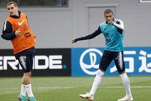 Kylian Mbappe chấn thương, nguy cơ lỡ hẹn World Cup?