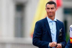 Chuyển nhượng bóng đá mới nhất: Real ra giá Ronaldo, MU 'chạy mất dép'