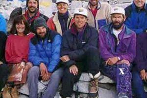Everest – đỉnh cao chinh phục hay mồ chôn bi thảm?