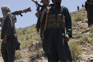 Thủ lĩnh Taliban sừng sỏ bị máy bay Mỹ bắn tan xác