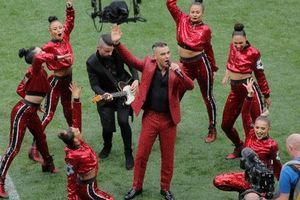 Lễ khai mạc World Cup: Hành động khiếm nhã của Robbie Williams