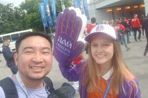 Nhật ký World Cup 2018: 'High Five'- Hãy xòe bàn tay ra chạm nhau nào