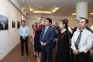 Khai mạc Triển lãm Ảnh báo chí Thế giới tại Hà Nội