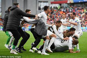 Ai Cập 0-1 Uruguay: Hàng công vô duyên, trung vệ lập công