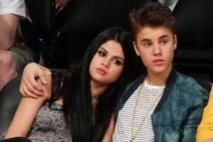 Hậu chia tay, Justin Bieber vẫn nổi đóa khi Selena Gomez bị chê xấu xí