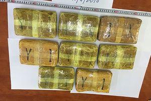 Bắt đối tượng 'cõng thuê' gần 50.000 viên ma túy