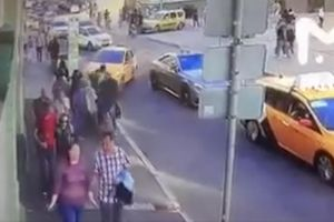 Tài xế taxi say rượu tông xe vào cổ động viên World Cup 2018 ở Moscow