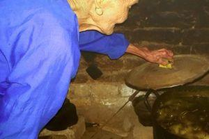 Độc đáo tục 'diệt sâu bọ' ngày Tết Đoan Ngọ của người Nùng xứ Lạng