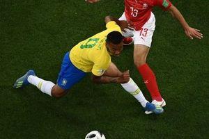 'Brazil bị cướp 1 quả penalty ở trận gặp Thụy Sĩ'