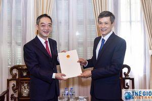 Trao giấy chấp nhận lãnh sự cho Tổng Lãnh sự Trung Quốc tại TP. Hồ Chí Minh