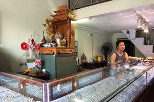 Hà Nội: Tên cướp táo tợn giật phăng túi nhẫn từ tay chủ tiệm vàng