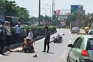 Một CSGT bị thương sau khi va chạm với xe tải