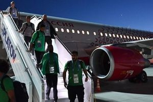 Máy bay chở đội Saudi Arabia đột ngột phát hỏa