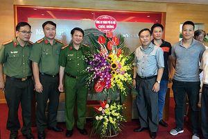 Ban Giám đốc Công an TP Hà Nội thăm, chúc mừng các cơ quan báo chí