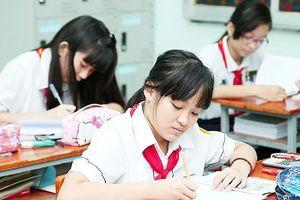 Ngày 20/6, học sinh Hà Nội làm bài kiểm tra vào lớp 6 song bằng