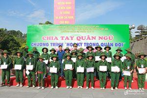 520 'chiến sĩ nhí' chia tay chương trình Học kỳ trong quân đội