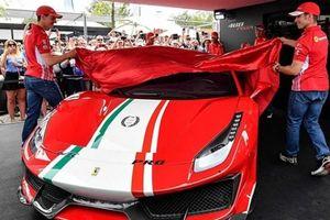 Ferrari 488 Pista ''Piloti Ferrari'' trình diện với vẻ đẹp quyến rủ