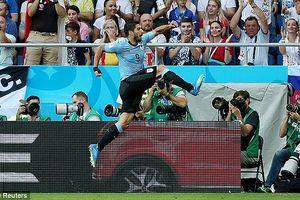 Suarez lập công, Uruguay sớm lấy vé vòng 1/8 World Cup