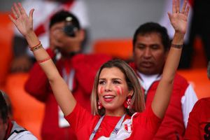 Bóng hồng nước Pháp đọ sắc kiều nữ Peru gây bão khán đài