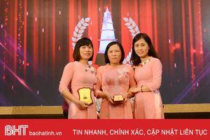 Nhóm phóng viên Báo Hà Tĩnh nhận giải C Giải Báo chí Quốc gia
